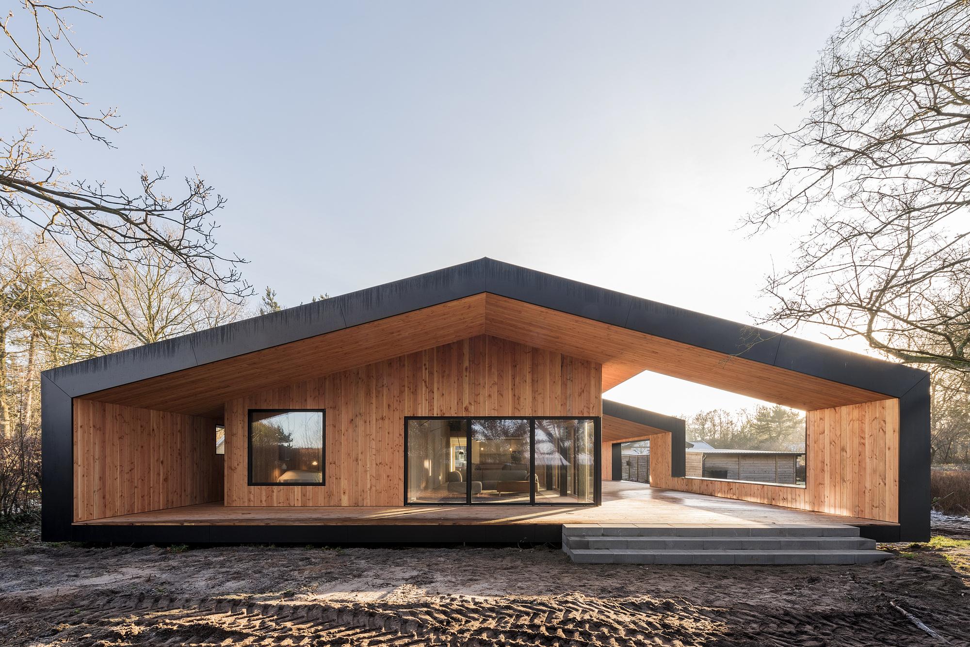 Summer House / CEBRA, Denmark, 2017 [2,000px × 1,335px][OC]