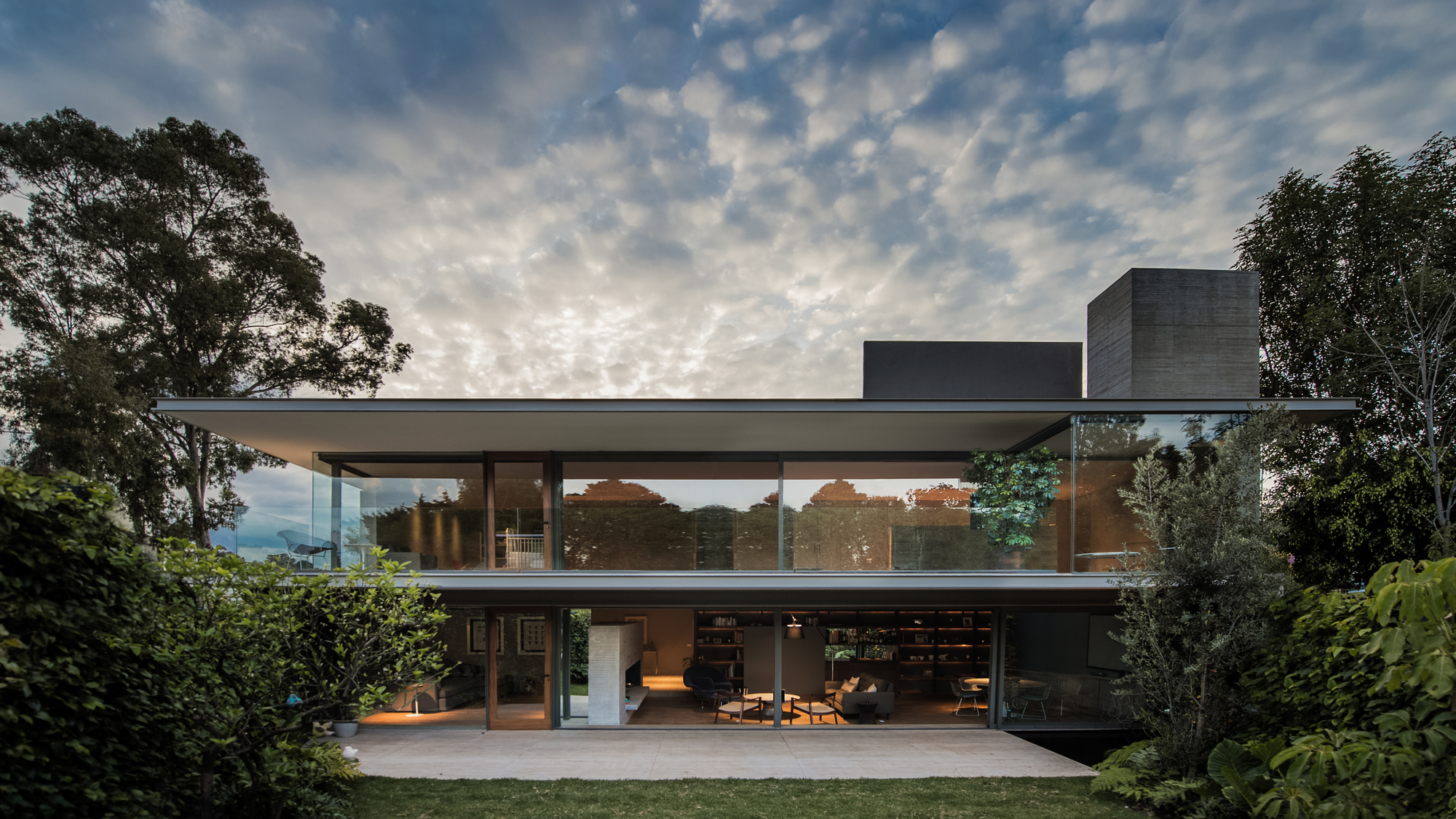 Ramos house jjrr arquitectura archdaily - Maison car park los angeles anonymous architects ...