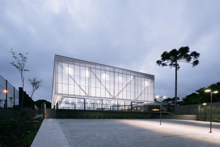 New Padel Pavilion / Saboia+Ruiz  Arquitetos, © Alexandre Kenji Okabaiasse