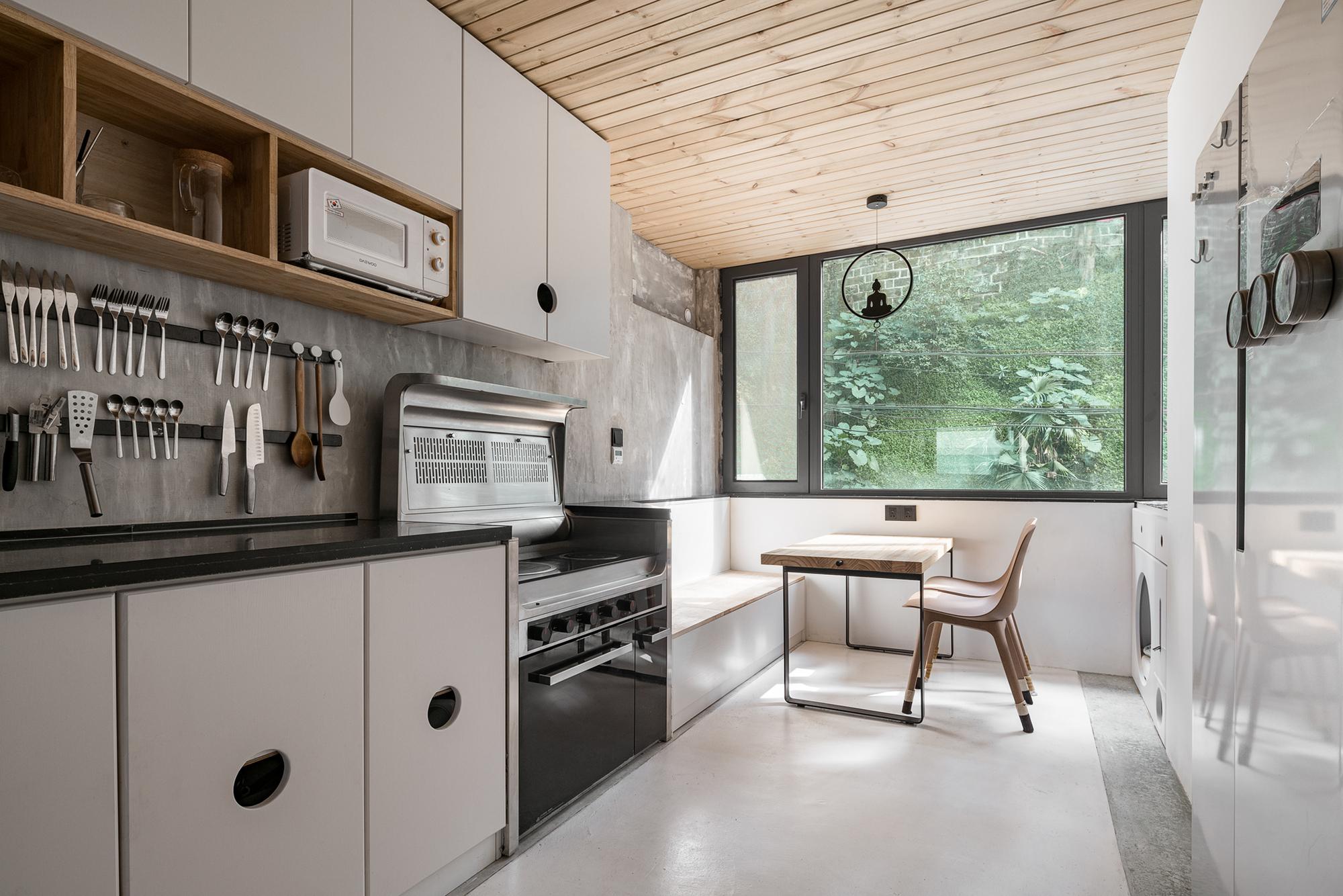 71sqm. Apartment Renovation / Xue Jin Architecture Network