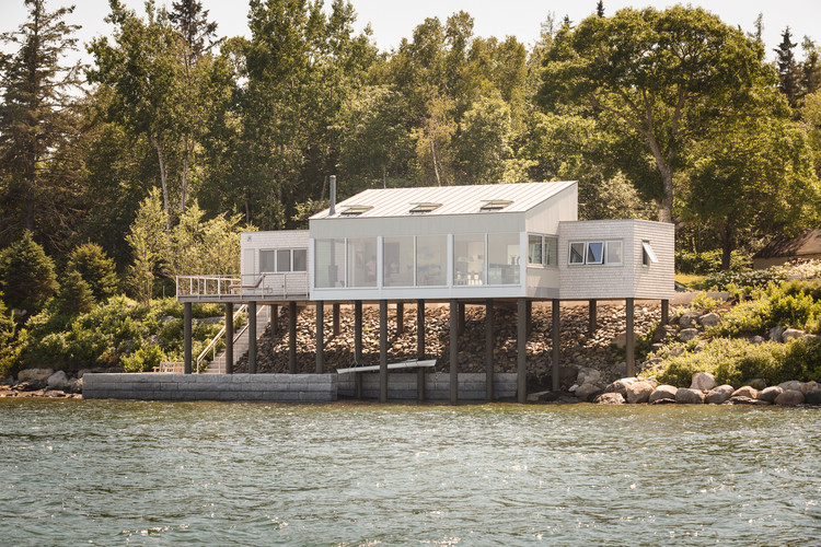 House over the Water / Elliott + Elliott Architecture, © Trent Bell