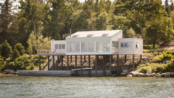 House over the Water / Elliott + Elliott Architecture