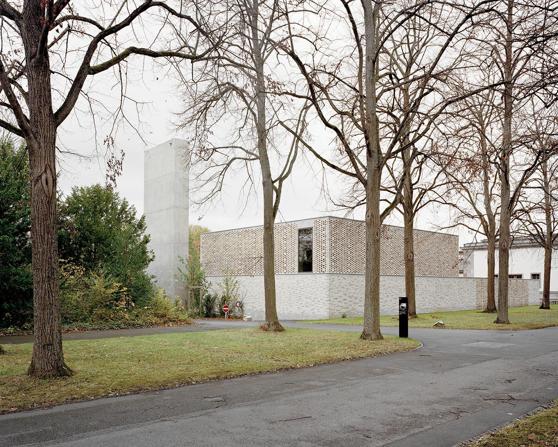 Gallery of crematory in basel architekturb ro garrigues - Architekturburo huber ...