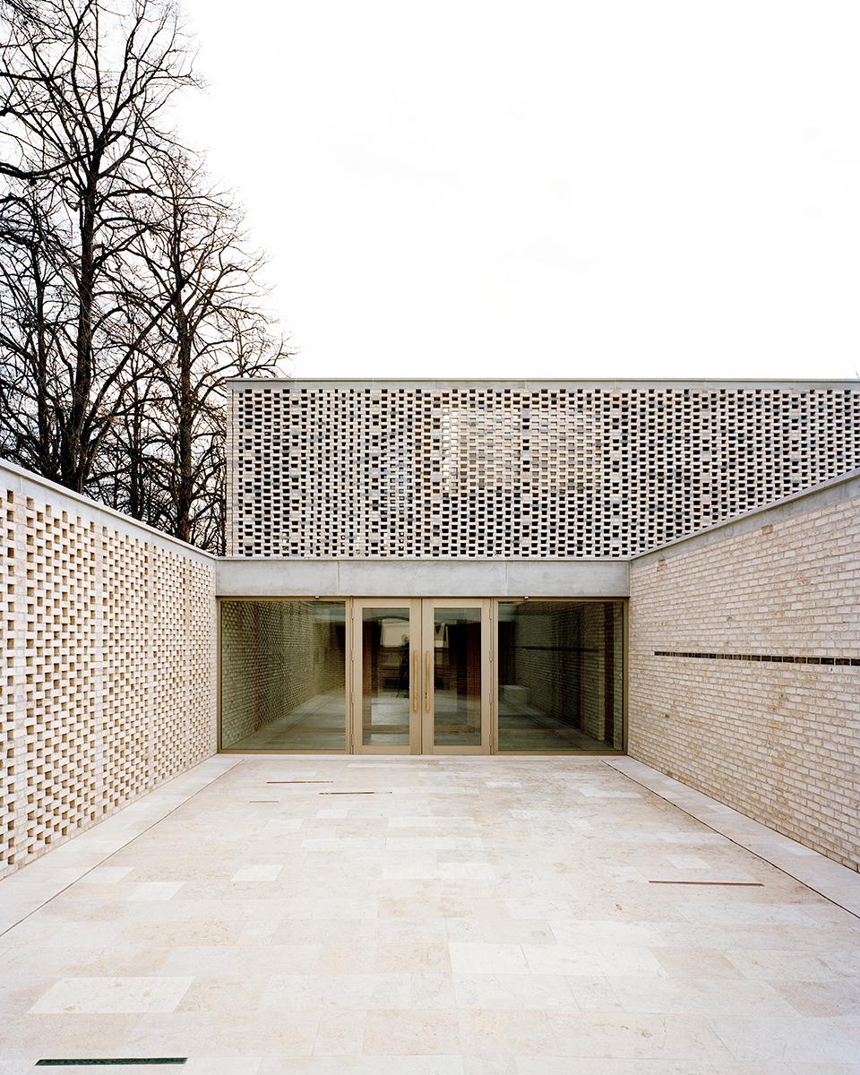Crematory in basel architekturb ro garrigues maurer archdaily - Architekturburo basel ...