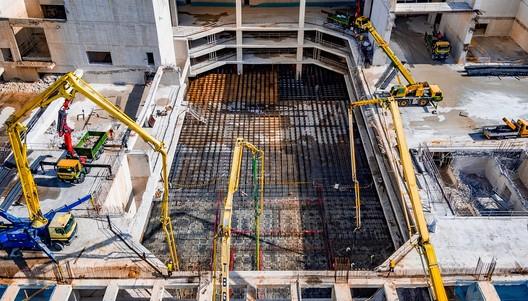 Construcción del Campus IE University en Madrid. Image Cortesía de Serrano Suñer Arquitectura + Fenwick Iribarren