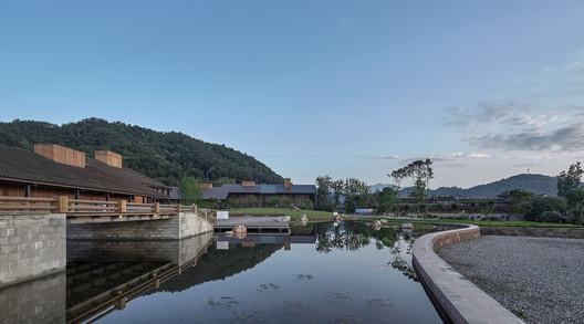 Meiyi Square Broken Bridge Water Landscape. Image © ARCH-EXIST