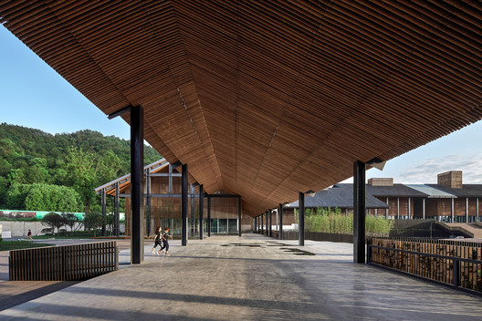 Meiyi Square Visitor Center West Entrance Corridor. Image © ARCH-EXIST