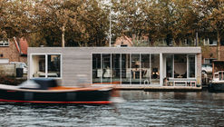 Casa flotante Haarlem Shuffle / vanOmmeren-architecten