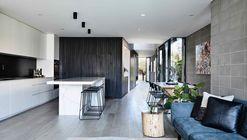Residencia Masuto / Jamison Architects