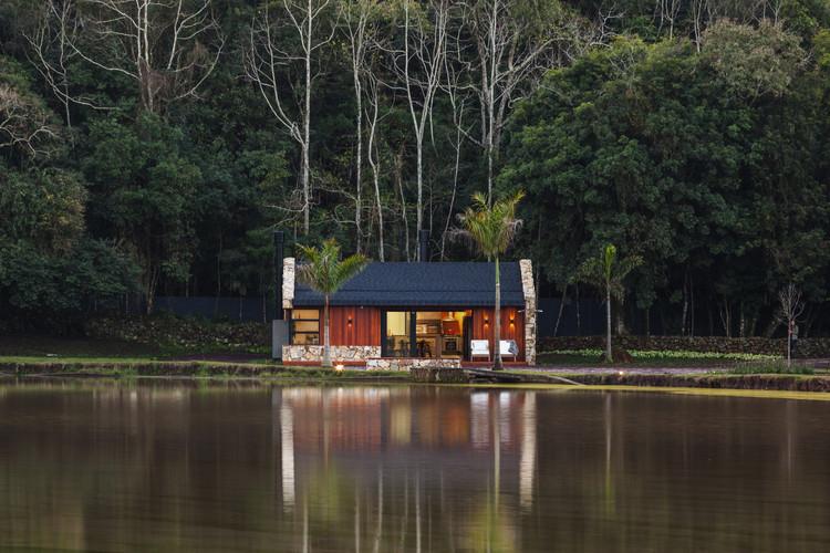 Casa do Lago / Cadi Arquitetura, © Cristiano Bauce
