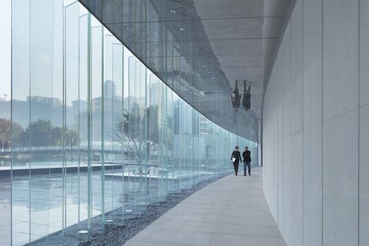 Transparent landscape. Image © Zhi Xia