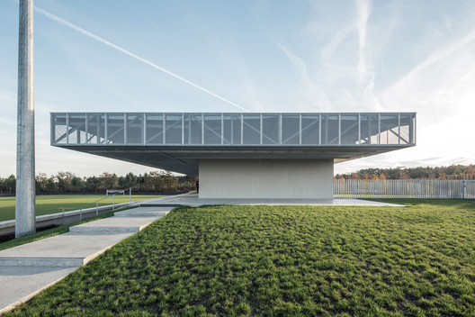 Plaine des Sports / OLGGA Architects + Atelier CAMBIUM