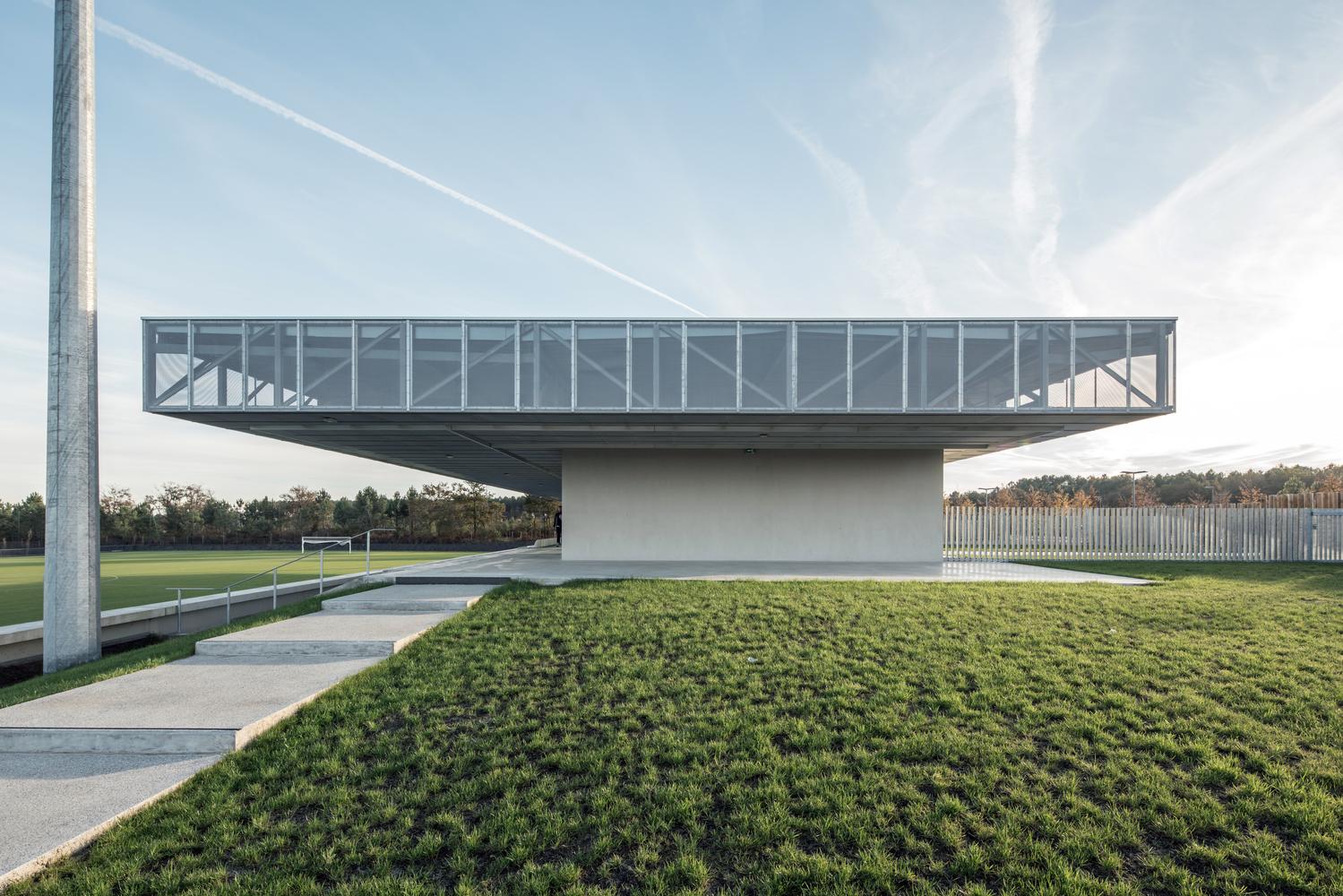 Plaine des Sports / OLGGA Architects + Atelier CAMBIUM