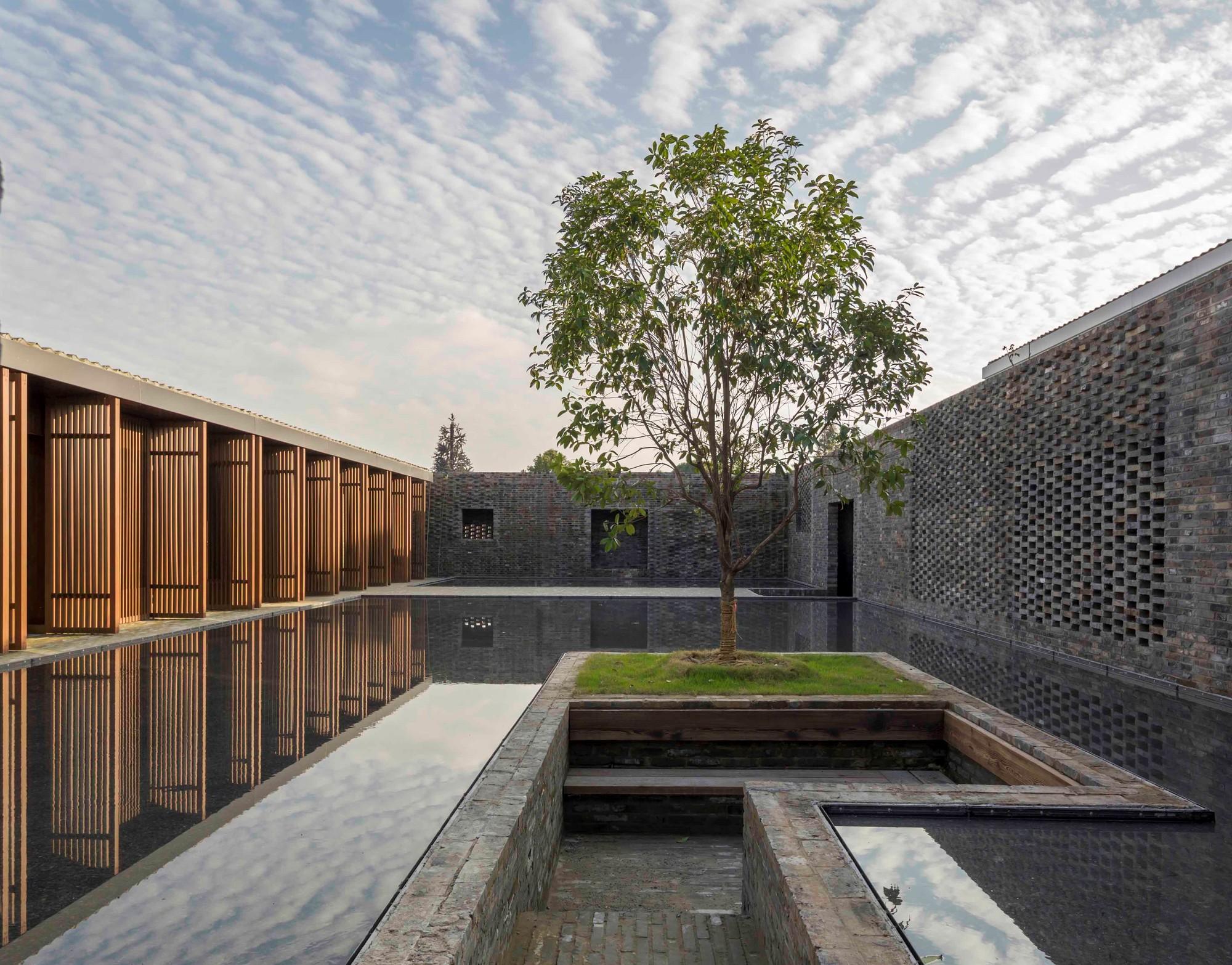The walled tsingpu yangzhou retreat neri&hu design and research