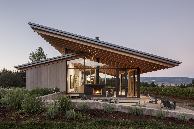L'Angolo Estate / LEVER Architecture