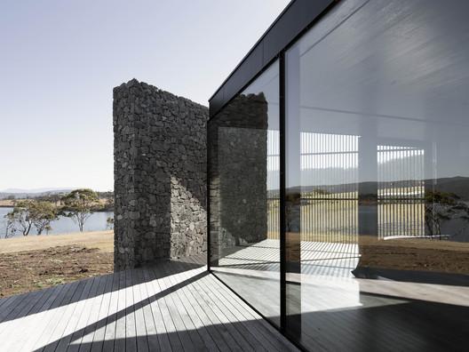 D?Entrecasteaux House / Room11 Architects