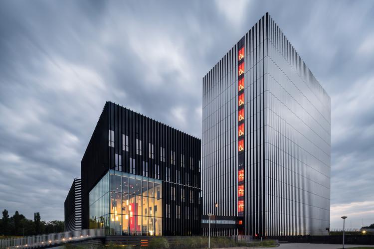 Datacenter AM4 / Benthem Crouwel Architects, © Jannes Linders