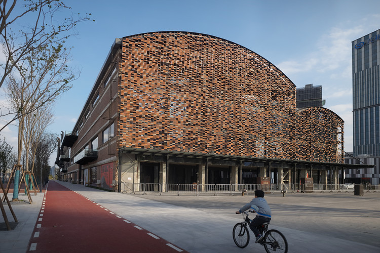 Kengo Kuma Transforms Shanghai Shipyard Into Multi-Use Complex, © Julien Lanoo