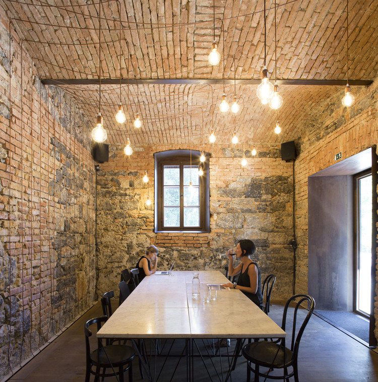 Bistro EK / dekleva gregorič architects, © Flavio Coddou