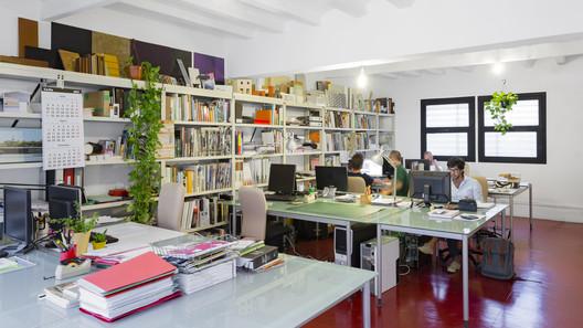 B01 arquitectes - Amadó Domènech SLP. Image © Marc Goodwin
