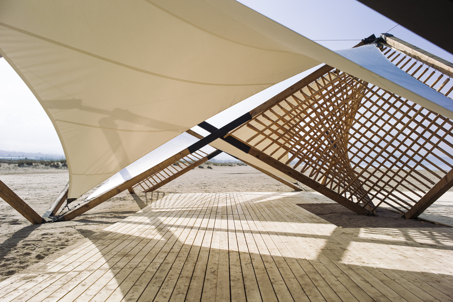 Lightweight Wooden Deployable Structure Aims For Large Social Impact  Without Leaving A Mark,© Lorenzo