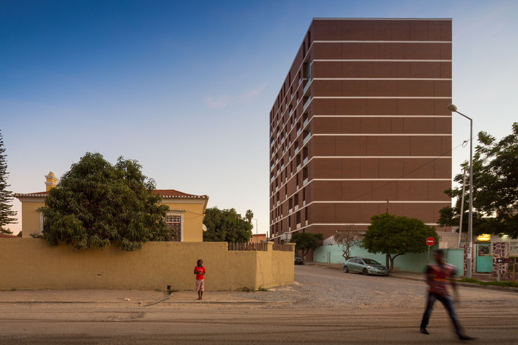 Centro Lubango / PROMONTORIO, © Fernando Guerra | FG+SG