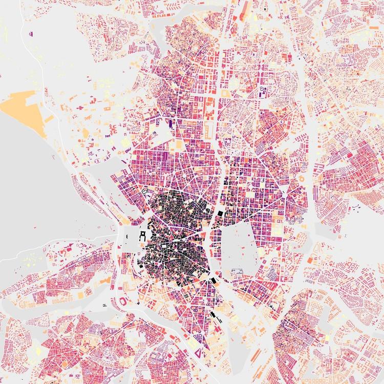 El reto de #LeerMadrid: orientación y morfología urbana, Vista aérea de Madrid diferenciando los edificios más antiguos (en colores oscuros) a los más nuevos. Image © Daniskarma, vía Reddit