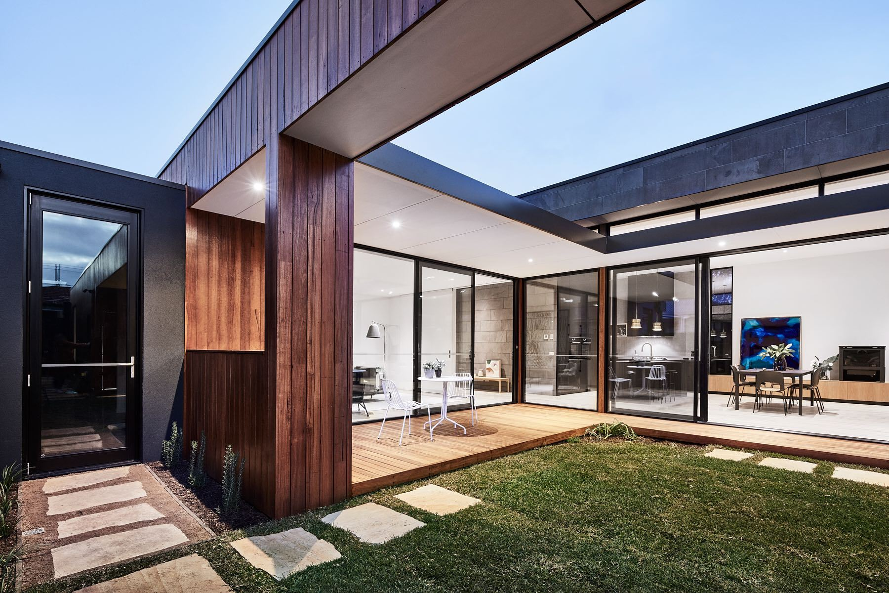 Courtyard Home Designs Gallery Of The Courtyard House Auhaus Architecture 3