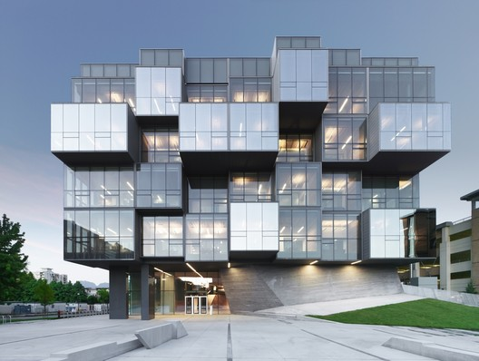 UBC Faculty of Pharmaceutical Sciences / CDRD. Image © Marc Cramer