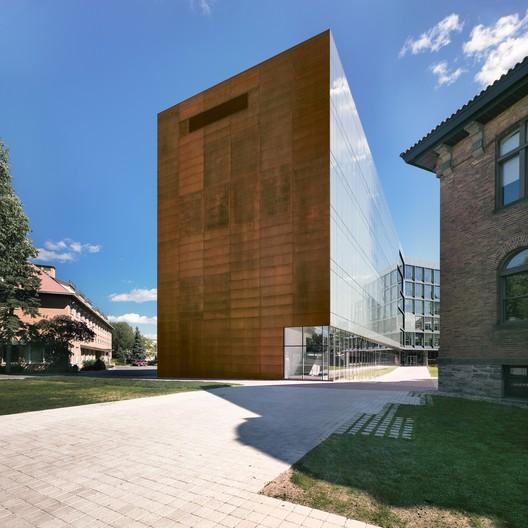 Anne-Marie Edward Science Building at John Abbott College. Image © Marc Cramer