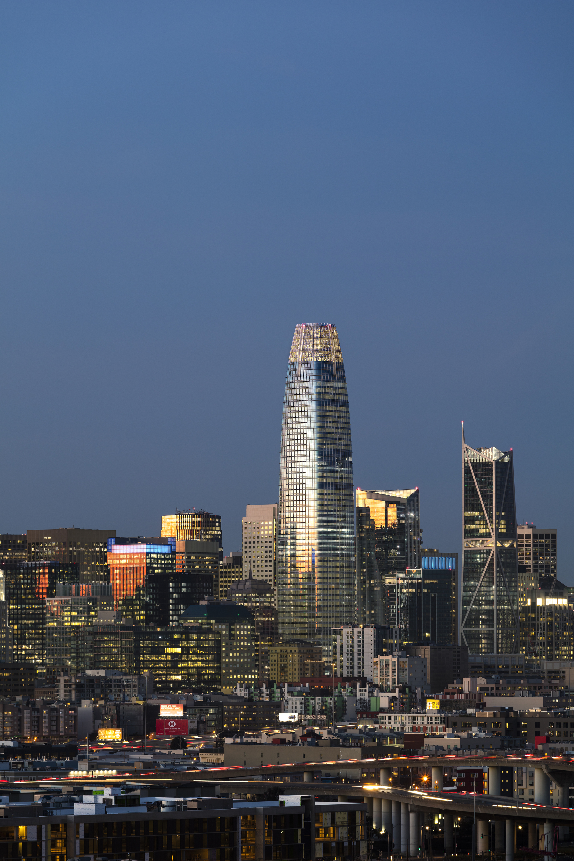 Salesforce: Salesforce Tower / Pelli Clarke Pelli Architects