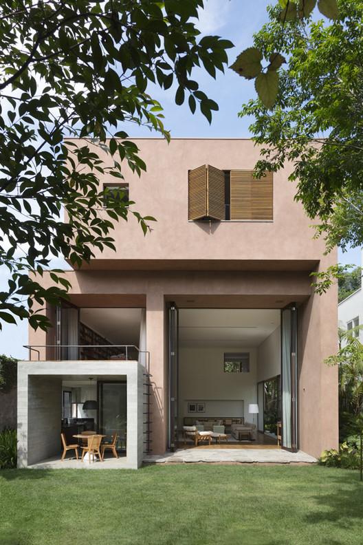 Casa Pinheiros / Felipe Hess Arquitetos, © Ruy Teixeira