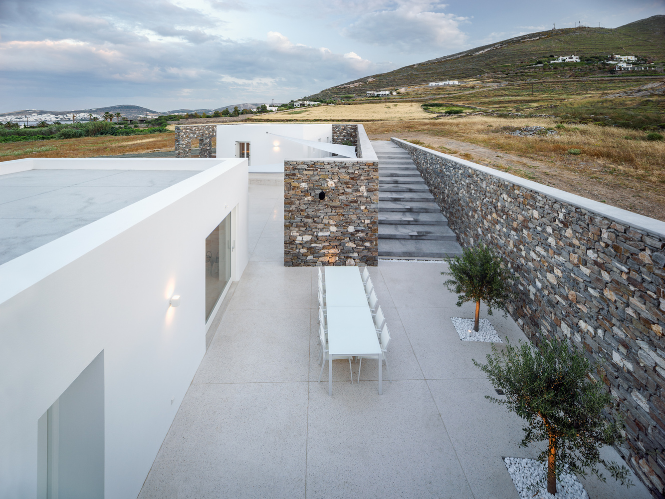 Gallery of Hug House / React Architects - 2
