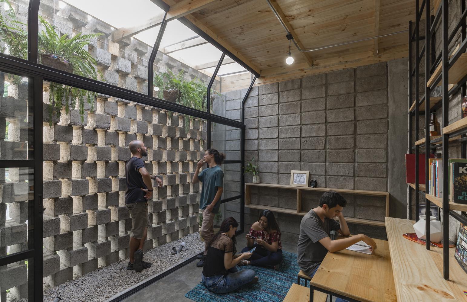 Galeria de arquitetura com blocos de concreto como for Como construir piletas de material