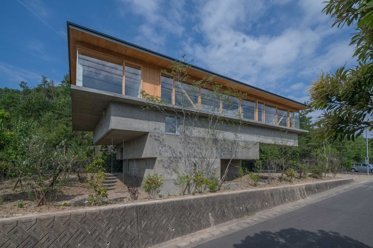 HINO  / Keitaro Muto Architects, © Hiroshi Tanigawa