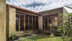 Casa Frondas / MO+G Taller de Arquitectura