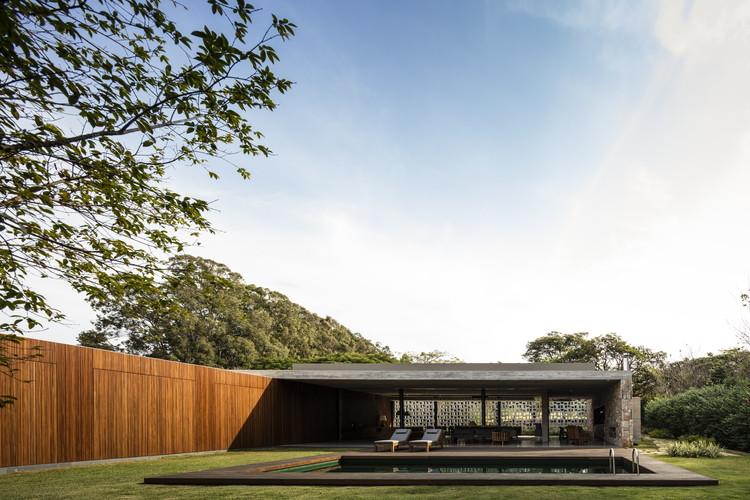 Pasqua House / Studio MK27 - Marcio Kogan + Carolina Castroviejo + Elisa Friedmann, © Fernando Guerra | FG+SG