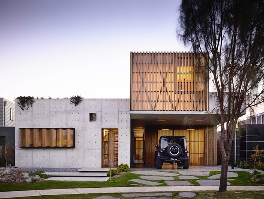 Torquay Concrete House / Auhaus Architecture