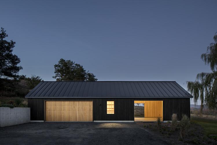 Celeiro Ancram / Worrell Yeung Architecture, © Magda Biernat Photography