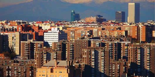 Skyline de Madrid visto desde el Cerro del Tío Pio en Vallecas.. Image © Jose A.