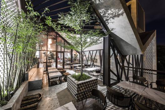 An'garden Café / Le House