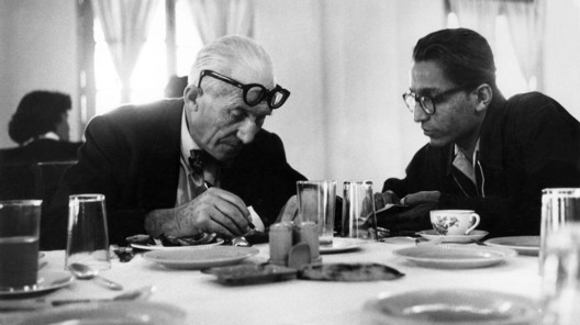 Le Corbusier and Balkrishna Doshi. Photo courtesy of Balkrishna Doshi.