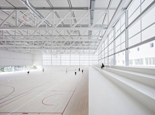 Pabellón Polideportivo y aulario. Universidad Francisco de Vitoria. Image © Javier Callejas