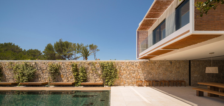 Residência M24 / OLARQ Osvaldo Luppi Architects, © Mauricio Fuertes