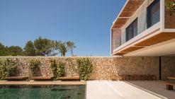 M24 House / OLARQ Osvaldo Luppi Architects