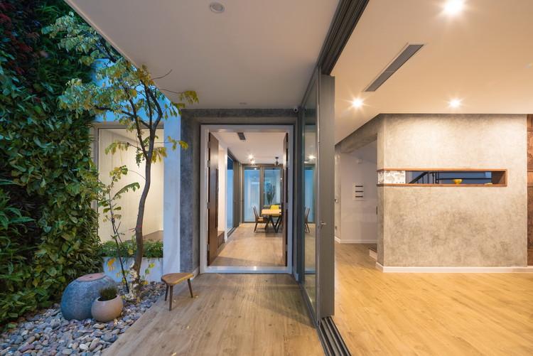 NHÀ TẰM / Landmak Architecture, © Trieu Chien