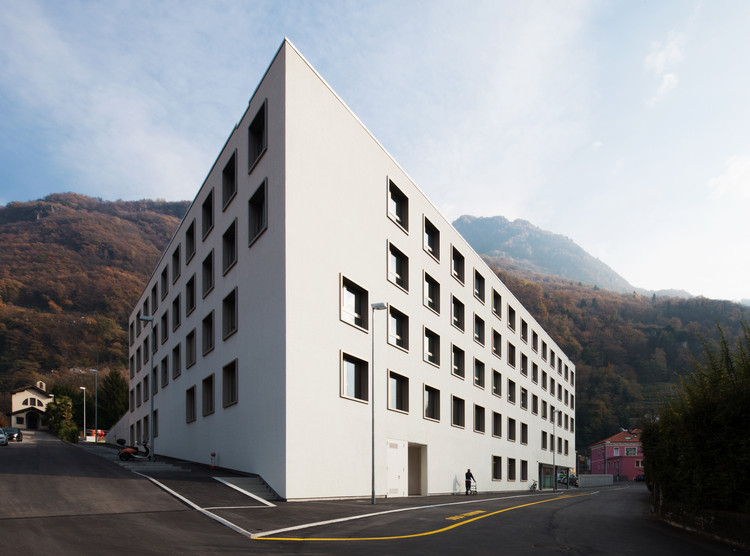 Nursing and Retirement Home Bellinzona / Studio Gaggini + Nicola Probst Architetti, © Alexandre Zveiger