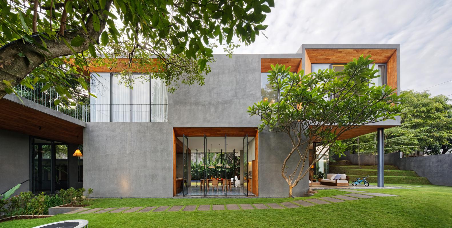 Inside Outside House Fernando Gomulya