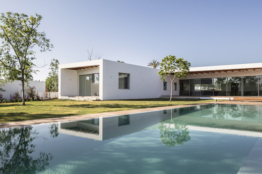 Z House / Ronnie Alroy Architects