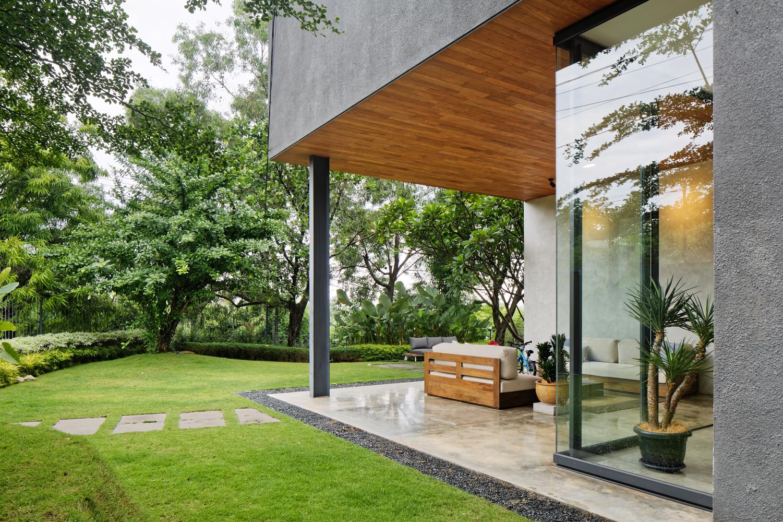 Inside Outside House Tamara Wibowo Architects